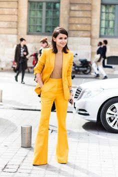 Mira Duma, yellow suit
