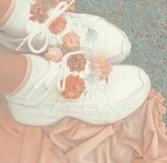Peach Aesthetic, Aesthetic Themes, Summer Aesthetic, Aesthetic Photo, Aesthetic Pictures, Retro, Aesthetic Wallpapers, Flower Power, Inspiration