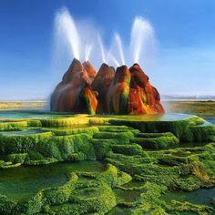 Não Questione: 16 LUGARES QUE VOCÊ VAI DUVIDAR QUE EXISTEM MESMO Green Fly Geyser, Nevada USA