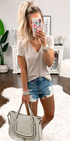 75 trending summer outfits you need right now 92 ~ Litledress - Outfit inspo - Modetrends Mode Outfits, Casual Outfits, Fashion Outfits, Womens Fashion, Golf Fashion, Gray Outfits, Dress Casual, Cute Summer Outfits, Spring Outfits