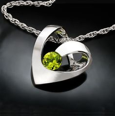 peridot necklace - August birthstone - heart necklace - green - gemstone necklace - modern jewelry - 3401