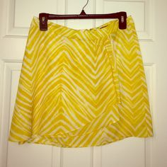 Fun and bright skirt Fits well. Cute pattern. Great with sandals or heels. Pair with a tank top or blazer. BCBGMaxAzria Skirts Mini