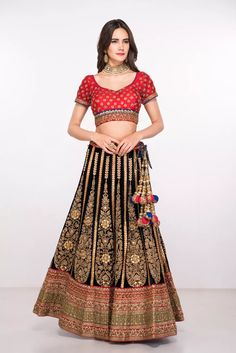 78d0f62b98bff7 64 best JULY WEDDING images | July wedding, Lehenga saree, Banarasi ...
