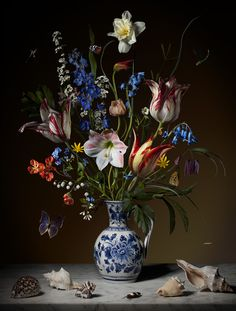Bas Meeuws - contemporary #Dutch #flower still life #photography
