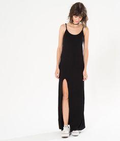 vestido canelado fenda