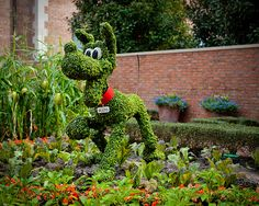 disney garden | Pluto. These would be awesome for a huge backyard