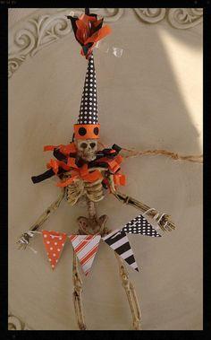 Cute Skeleton Trick or Treater Halloween Decoration by JeanKnee Fairy Halloween Costumes, Halloween Ii, Halloween Banner, Halloween Ornaments, Halloween Images, Halloween Items, Halloween Skeletons, Halloween Signs, Halloween Projects