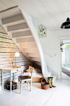 Escaleras madera color blanco roto estilo #vintage