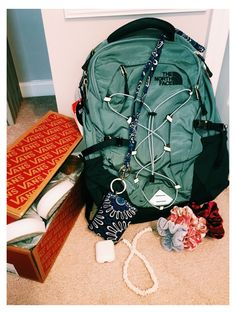 Hippie Man, Hippie Style, My Style, Outfit Jeans, North Face Backpack School, Cute Backpacks For School, Teen Backpacks, Leather Backpacks, Leather Bags