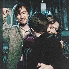 Harry, Sirius and Remus Harry Potter Sirius Black, Remus And Sirius, Remus Lupin, Images Harry Potter, Arte Do Harry Potter, Harry Potter Memes, Harry Potter World, Harry Potter Sirius, Hogwarts