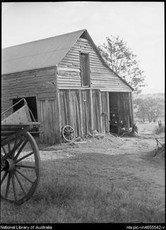 Barn, Burragorang Road, Nattai, 1945