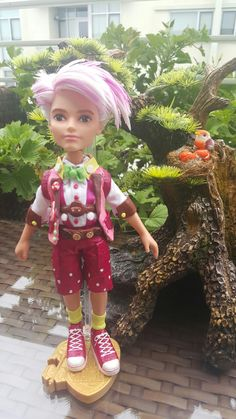 everafterhighlove: klaudioss: apple-and-blondie: klaudioss: EverAfterHigh# custom # Gus Crumb # Finally done with my version of Gus Crumb! I still need to find somethibg like a small rubber band to put on his wrist like the cartoon. So, I started him as a Bratz Boyz doll… I basically used everything he came with his outfit plus from a second Bratz Boyz. However, once I finished painting his outfit he just didn't go well with the other EAH dolls… I was torn to either leave like that o...