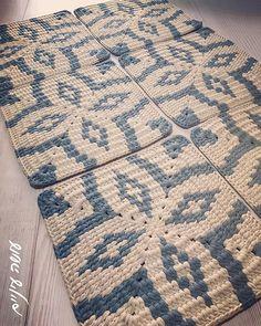 Easy Crochet Hat Patterns, Tapestry Crochet Patterns, Crochet Mandala Pattern, Baby Knitting Patterns, Knitting Designs, Crochet World, Crochet Home, Crochet Yarn, Crochet Square Blanket