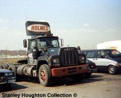 A lineup of International straight trucks in Cinnaminson, NJ in August 1988.
