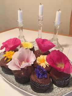 Moments of Delight...Anne Reeves: Flower Arranging: When Dessert is Edible Flowers