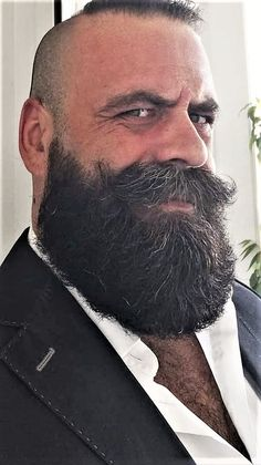 Keeping a beard has become a trendy fashion today. There are many popular beard styles of black men who have … Bald Men With Beards, Bald With Beard, Black Men Beards, Beard Fade, Great Beards, Awesome Beards, Trimmed Beard Styles, Faded Beard Styles, Beard Styles For Men