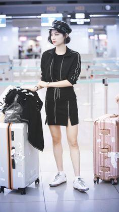 MyKi Airport Fashion, Airport Style, Kpop Fashion, Chinese Fashion, Chinese Style, Ulzzang Girl, Akira, Nyx, Sweet Dreams