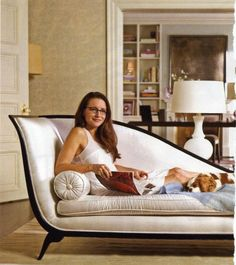 These are some of the most beautiful and stylish homes from our favorite television shows. Sarah Jessica, Jessica Parker, Charlotte York Apartment, Charlotte York Goldenblatt, Kristin Davis, Harper's Bazaar, City Outfits, Room Paint Colors, Celebrity Houses