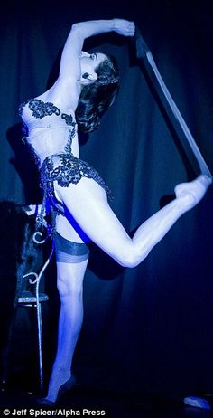 Stunning image here, great inspiration for a #Burlesque style corset!  #henparty #costume www.cheerleadingcompany.co.uk
