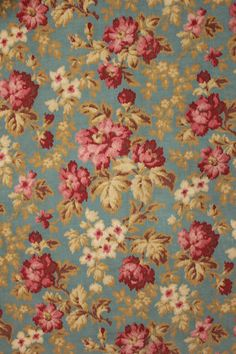 Beautiful late 19th century French printed fabric ~ Lovely warm tones ~ ideal for upholstery, curtains , pillows etc ~ www.textiletrunk.com