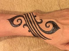 back tattoos for men cross Henna Hand Designs, Henna Designs For Men, Henna Tattoo Designs Simple, Beautiful Henna Designs, Mehndi Designs, Henna Tattoo Hand, Simple Henna Tattoo, Henna Body Art, Henna Tattoo For Men