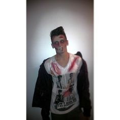 I was the dopest zombie last night on a masquerade party. Amazing FX-make up by the one and only @Alexa