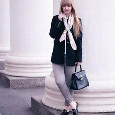 BLOGGED! ✔️ Dieses Outfit mit meinen neuen Loafern von @zaful findet ihr jetzt auf meinem Blog! Ich bin total verliebt in die Kombination mit meinem #MilitaryCoat von Zara, was meint ihr? 💭 Mehr Bilder gibt es wie immer auf WWW.LARA-IRA.DE #linkinbio
