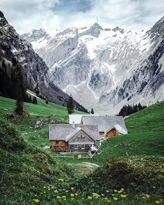 Nature EarthTravel ~Saydam Soy: Happy Sunday ❤ Beautiful photo by 👏👏 Switzerland Places To Travel, Places To See, Places Around The World, Around The Worlds, Beautiful World, Beautiful Places, Landscape Photography, Travel Photography, Nature Photography