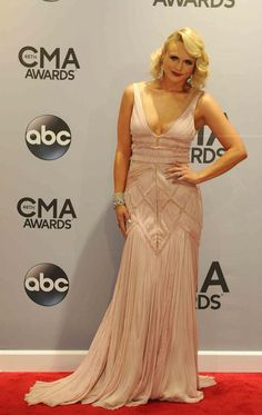 #CMAawards Miranda Lambert Female Vocalist of the Year