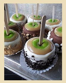 It's Written on the Wall: A Sweet APPLE Treat for the Teacher-Yummy Recipes                                                                                                                                                                                 Mais