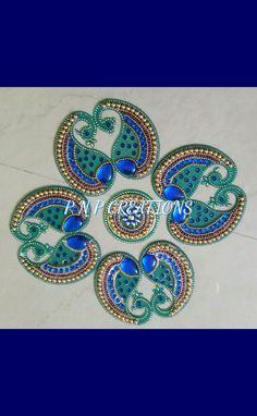 Peacock Acrylic rangoli Diwali Craft, Diwali Rangoli, Rangoli Patterns, Rangoli Designs, Clay Crafts, Arts And Crafts, Beadwork, Beading, Acrylic Rangoli