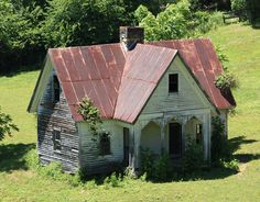 American Gothic House by Andrew Kalat American Gothic House, American Style House, Abandoned Buildings, Abandoned Places, Hut House, Gothic Architecture, Old Houses, Home Art, Building A House