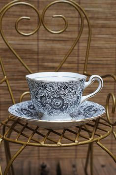 Royal Chelsea Tea Cup made in England   LOVE this