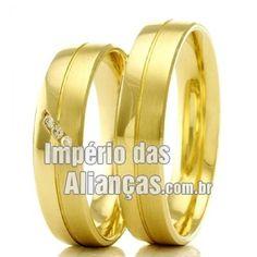 Alianças em Ouro Largura 4.8mm Pedras 3 diamantes de 1 ponto Acabamento Liso e Fosco Formato Anatômico