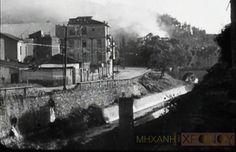 """""""Ρίξαμε με τα φλογοβόλα στον Ιλισσό για να κάνουμε επίδειξη πυρός"""". Η μαρτυρία του Ζάχου Χατζηφωτίου για την κρίσιμη μάχη στο Μετς στα Δεκεμβριανά. Την επομένη το βρετανικό πυροβολικό έριξε 2 χιλιάδες βολές κατά των Ελασιτών! (βίντεο) - ΜΗΧΑΝΗ ΤΟΥ ΧΡΟΝΟΥ Athens Hotel, Athens Greece, Old City, Vintage Photos, The Past, Greek, Painting, Beautiful, Old Town"""