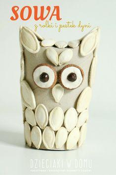 toilet paper roll owl craft for kids Bird Crafts, Plate Crafts, Nature Crafts, Toilet Roll Craft, Toilet Paper Roll Crafts, Toilet Paper Origami, Owl Kids, Rolled Paper Art, Halloween Bottles