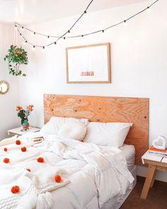 Marvelous Useful Tips: Minimalist Bedroom Decor Quartos minimalist decor living room life.Minimalist Home Exterior Mid Century minimalist decor with color gray.Minimalist Home Tips Zero Waste. Minimalist Bedroom, Minimalist Decor, Minimalist Interior, Minimalist Kitchen, Minimalist Living, Modern Minimalist, Wood Bedroom, Home Decor Bedroom, Bedroom Ideas