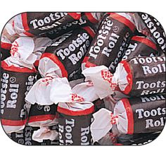 Get your candy fix with our Tootsie Rolls midgees candy! Tootsie Roll is one of the oldest treats in the United States. This confection was invented in 1986 when Leo Hirshfield decided to open up a shop in New York City. Bulk Candy, Candy Shop, Candy Stand, Sugar Free Candy, Old Fashioned Candy, Favorite Candy, Diabetic Friendly, Candy Buffet, Tootsie Rolls