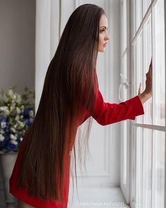 The next Rapunzel for the day is Our site is dedicated to the celebration of beautiful long hair. If you have long hair… Face Shape Hairstyles, Rapunzel Hair, Really Long Hair, Long Dark Hair, Natural Hair Styles, Long Hair Styles, Silky Hair, Beautiful Long Hair, Hair Pictures