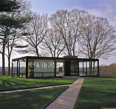 The Glass House - Philip Johnson //