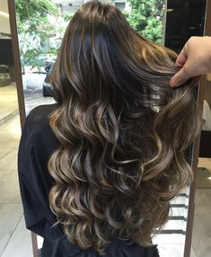 Simply the Best Hair Shades for Brunettes Hair Color And Cut, Ombre Hair Color, Hair Colour, Ombré Hair Caramel, Hair Shades, Brunette Hair, Hair Videos, Balayage Hair, Gorgeous Hair