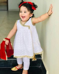 Kids Summer Dresses, Girls Maxi Dresses, Stylish Dresses For Girls, Cute Outfits For Kids, Baby Girl Dresses, Baby Outfits, Baby Girls, Baby Frocks Style, Baby Girl Frocks
