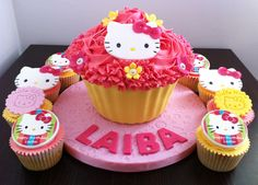 Hello Kitty - giant and normal sized cupcakes
