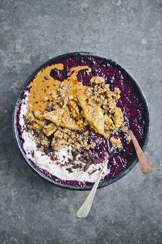Blueberry Chia Bowl with Banana Sesame Brittle