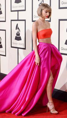 Taylor Swift at the 2016 Grammy Awards Taylor Swift Latest, Taylor Swift 2018, Taylor Swift Casual, Taylor Swift Cute, Taylor Swift Gallery, Grammy Awards 2016, Pink Bikini Bottoms, Strapless Dress Formal, Formal Dresses