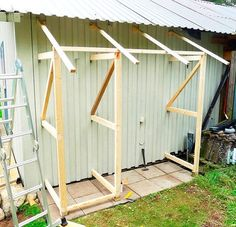 10 ideas for a garden decoration - HomeDBS Backyard Projects, Garden Projects, Garden Tools, Garden Storage Shed, Diy Shed, Outside Storage, Outdoor Storage, Backyard Sheds, Backyard Landscaping