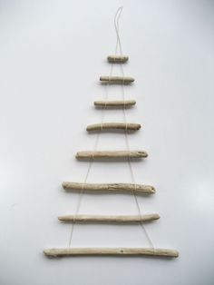 DIY - How to Make a Christmas Tree from Driftwood DIY – Driftwood Christmas Tree Driftwood Christmas Tree, Christmas Tree Garland, Xmas Tree, Christmas Crafts, Christmas Makes, Christmas Design, White Christmas, Alternative Christmas Tree, Driftwood Crafts