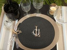 Stitchfork Designs: Placemat Monogram