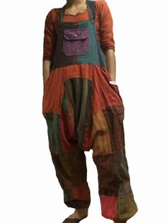 How cute is the hippie dungaree! A great hippie outfit! Himalayan Handmades sell Nepalese clothing at wholesale prices! Cotton Harem Pants, Bohemian Pants, Online Dress Shopping, Shopping Sites, Formal Dresses For Teens, Backless Prom Dresses, Celebrity Dresses, Celebrity Style, Drop Crotch