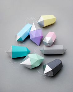 DIY: paper gems (free printable template)